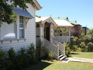 Minto Guest House - Tourism Guide