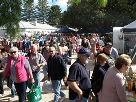Stansbury Seaside Markets - Tourism Guide